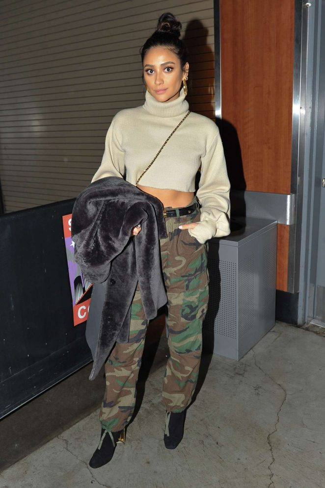 Shay Mitchell - Attends a Los Angeles Clippers and the Atlanta Hawks game in LA