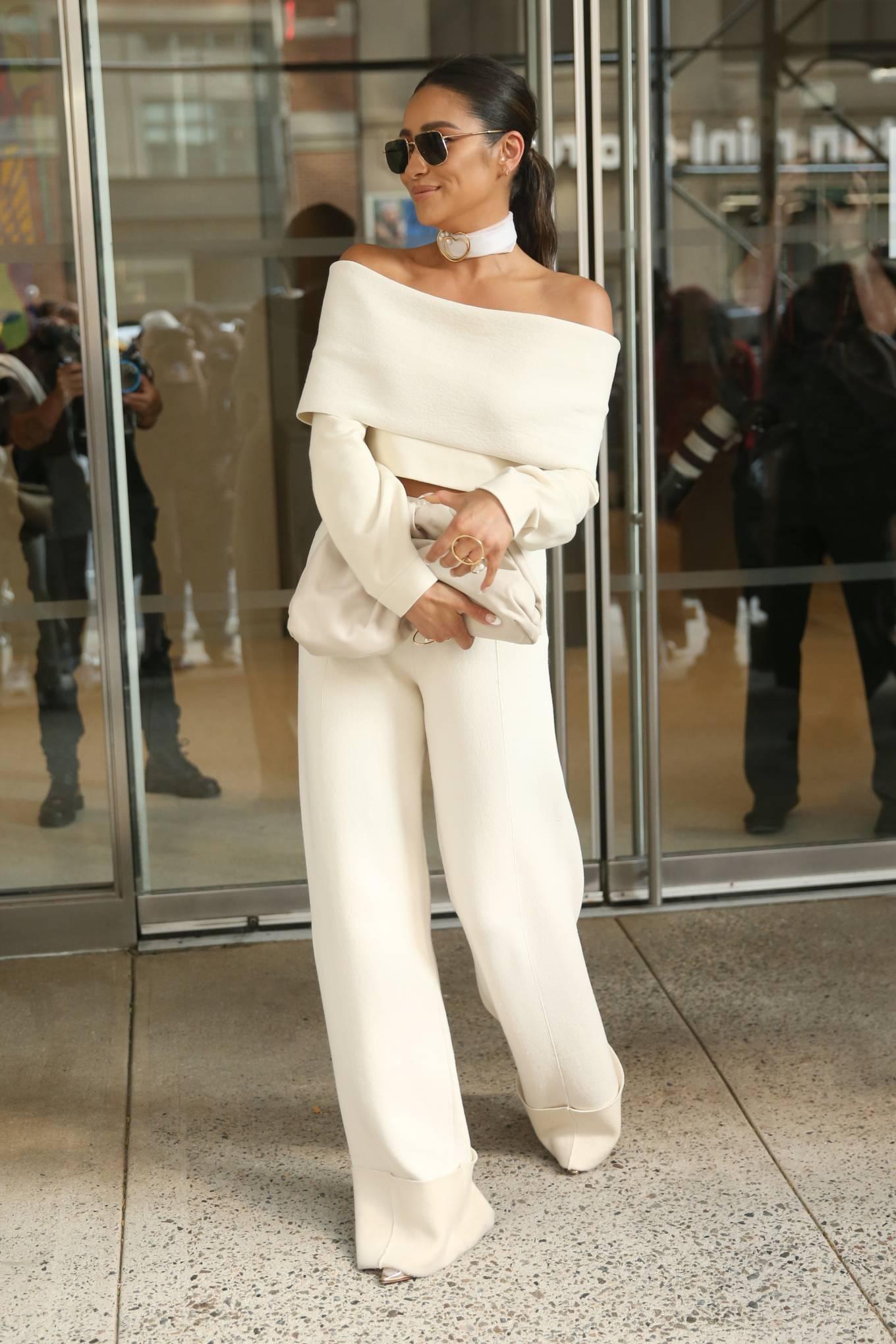 Shay Mitchell 2021 : Shay Mitchell – Attends Altuzarra SS22 during New York Fashion Week-03