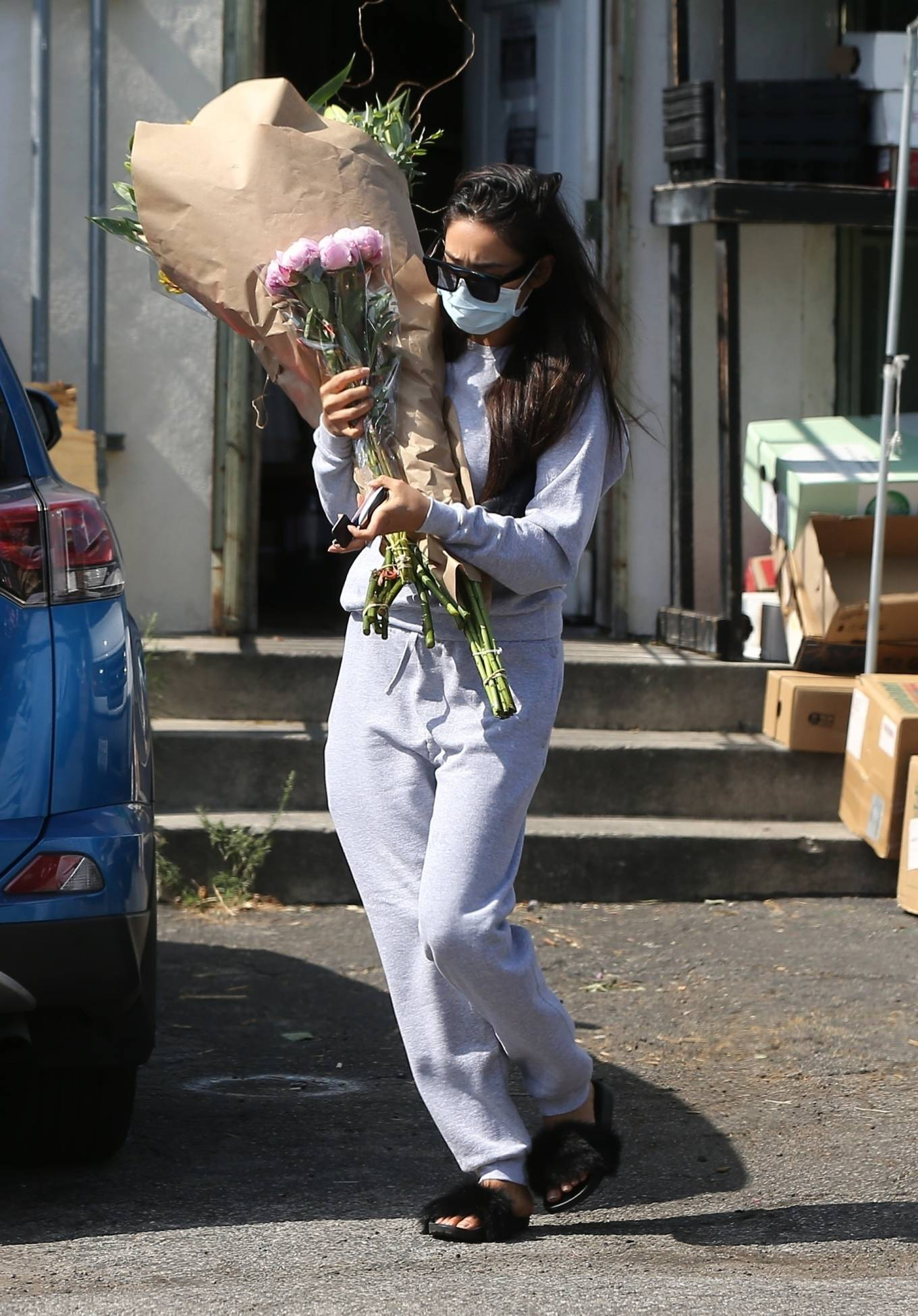 Shay Mitchell 2020 : Shay Mitchell – Buys a few bouquets of flowers in West Hollywood-05