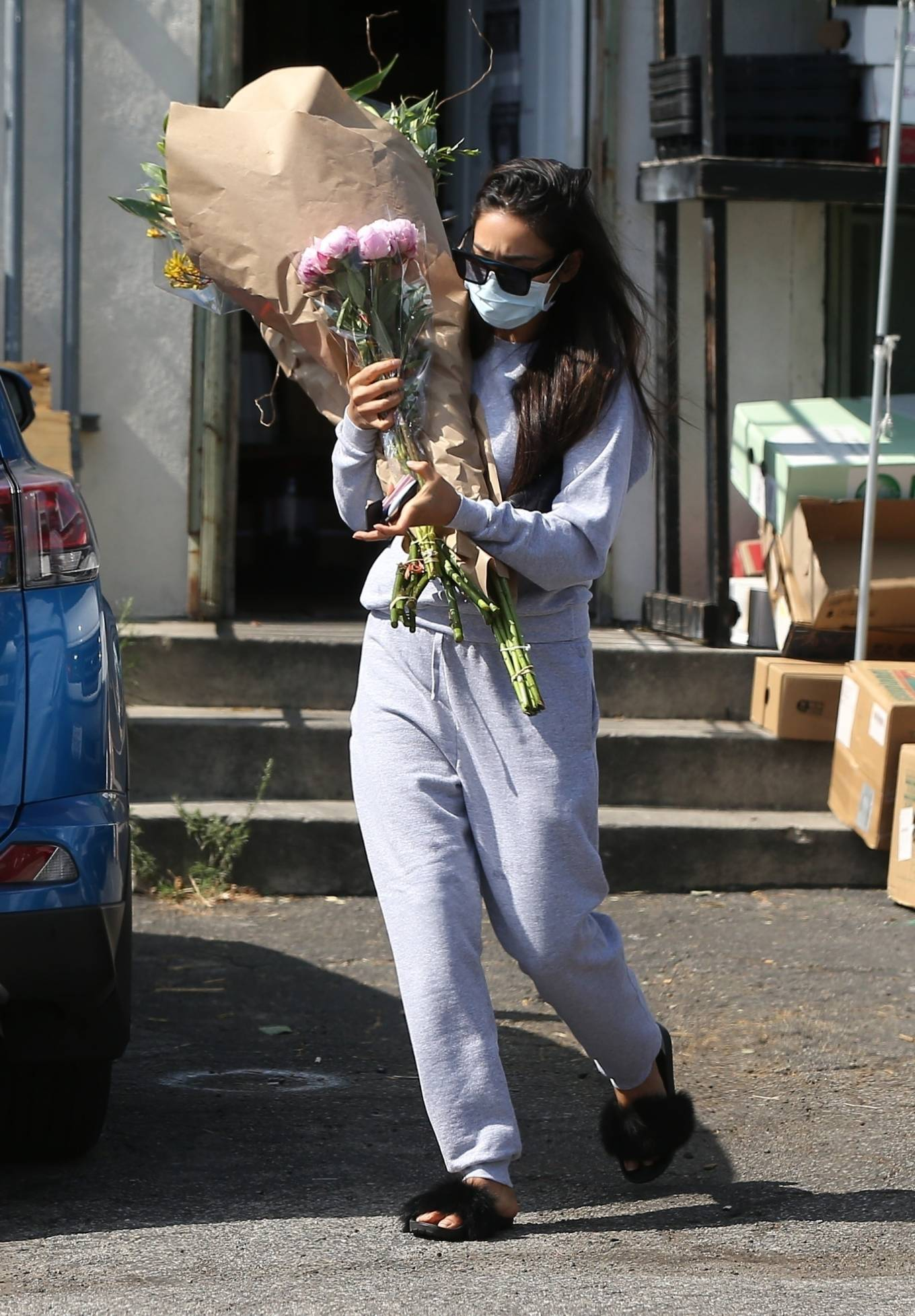 Shay Mitchell 2020 : Shay Mitchell – Buys a few bouquets of flowers in West Hollywood-10