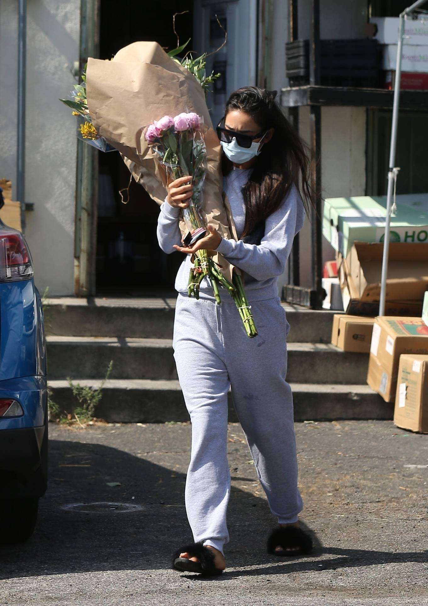 Shay Mitchell 2020 : Shay Mitchell – Buys a few bouquets of flowers in West Hollywood-11