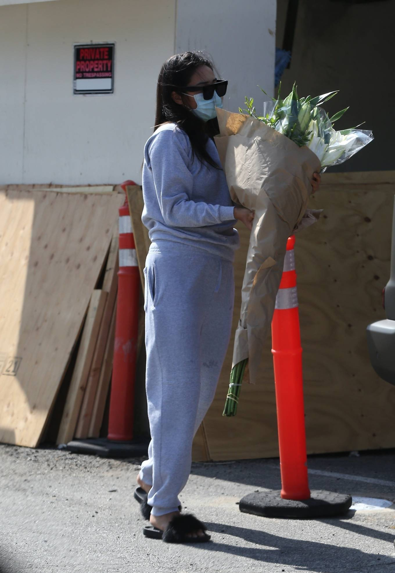 Shay Mitchell 2020 : Shay Mitchell – Buys a few bouquets of flowers in West Hollywood-13
