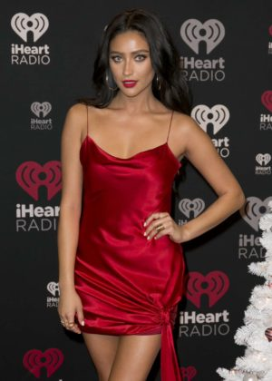 Shay Mitchell - iHeart Jingle Ball North Red Carpet in Toronto