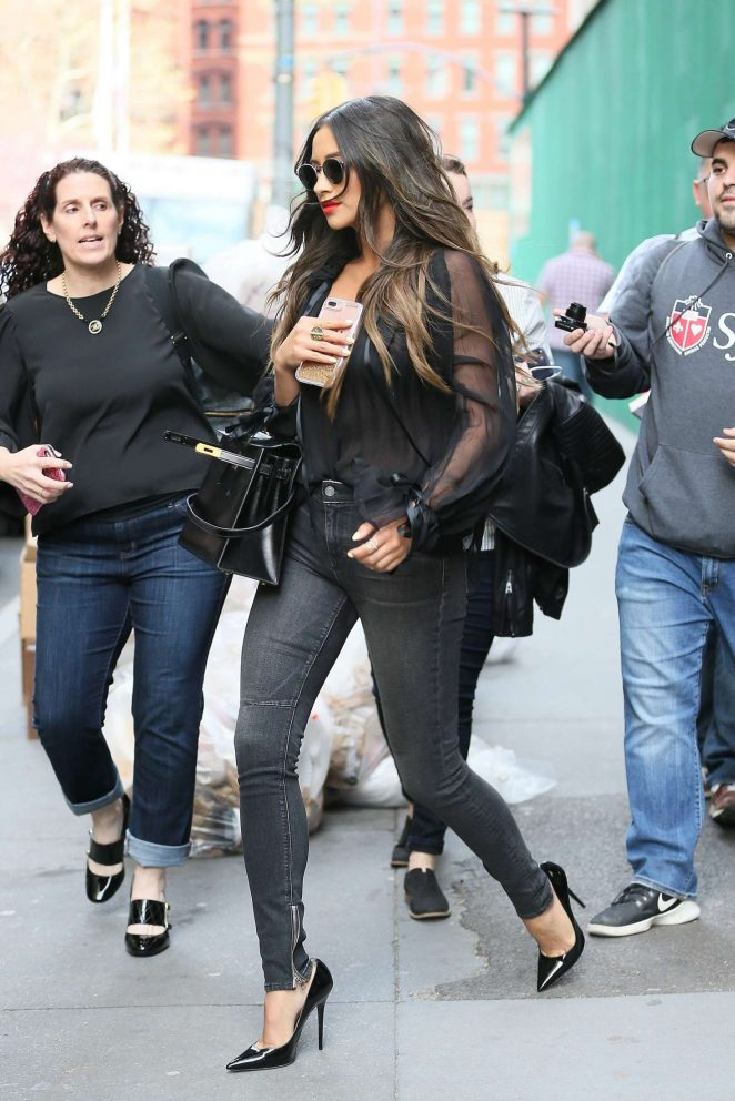 Shay Mitchell in Sknny Jeans -04