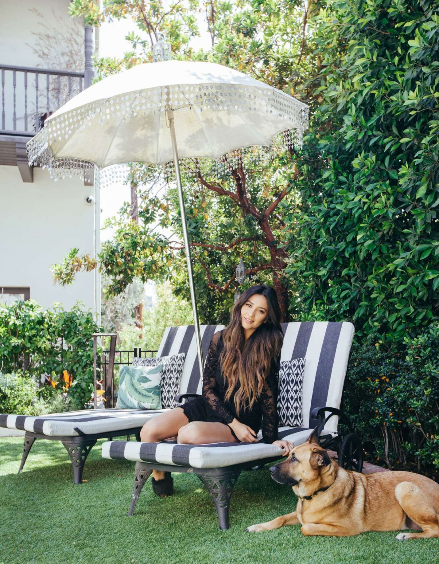 photo Shay mitchell photoshoot for people magazine july 2019