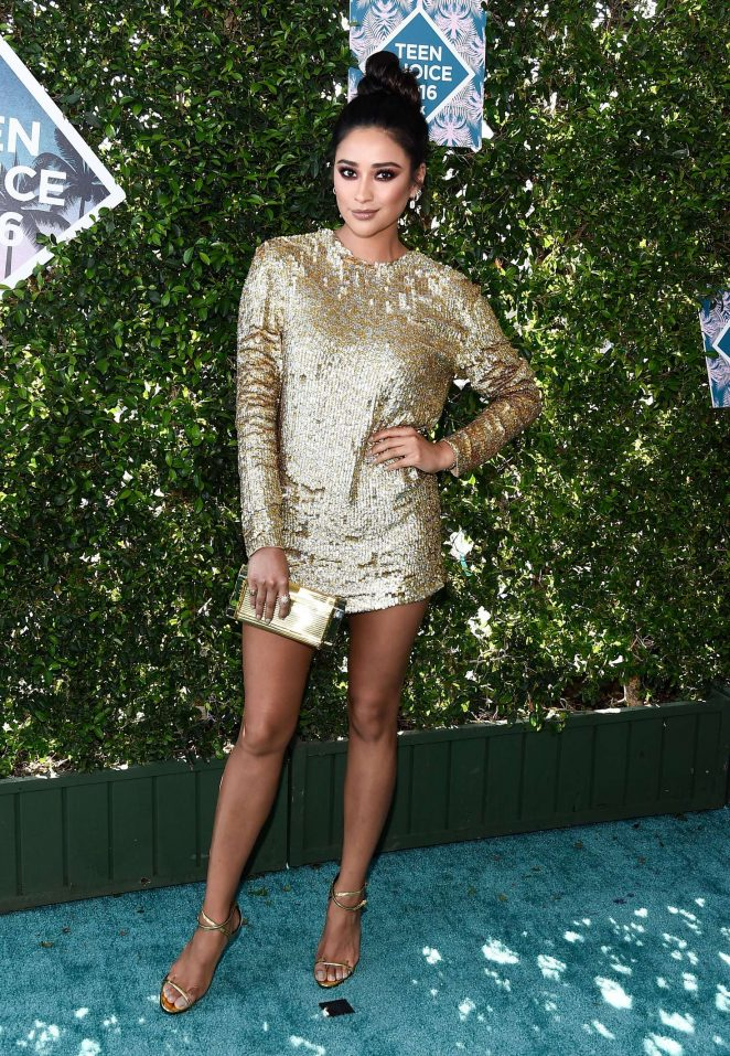 Shay Mitchell - Teen Choice Awards 2016 in Inglewood