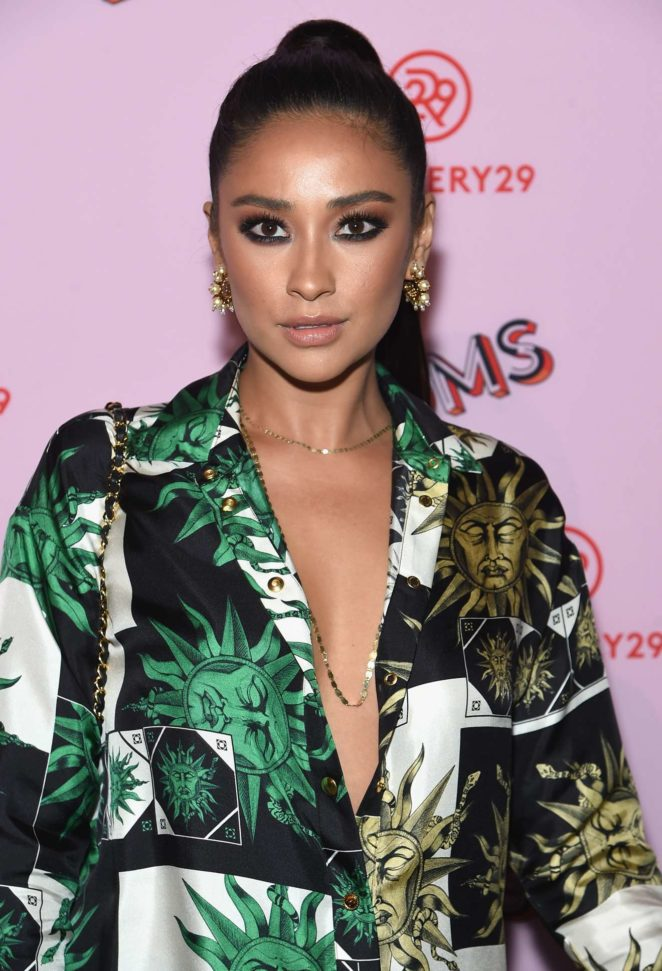 Shay Mitchell - The Refinery29 Third Annual 29Rooms: Turn It Into Art event - Brooklyn