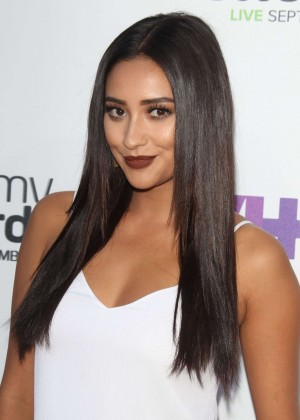 Shay Mitchell - 2015 Annual Streamy Awards in LA
