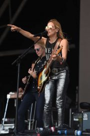 Sheryl Crow - Performs at Glastonbury Festival 2019 in Pilton