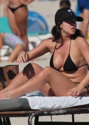 Shira Yaakov in Bikini at the beach in Miami Pic 10 of 35