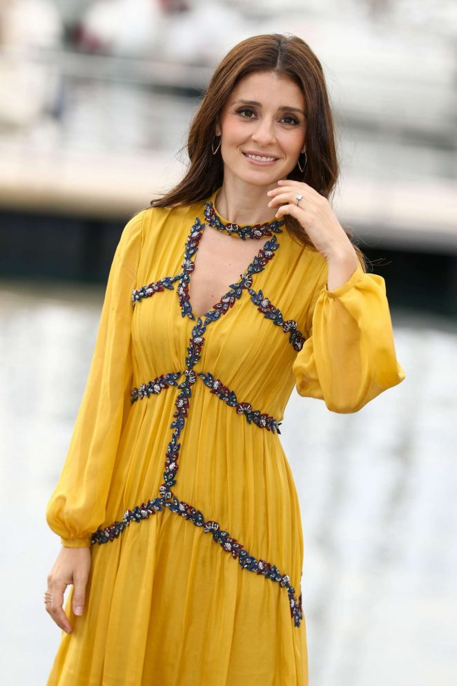 Shiri Appleby - 'UnREAL' Photocall at 2016 MIPCOM in Cannes