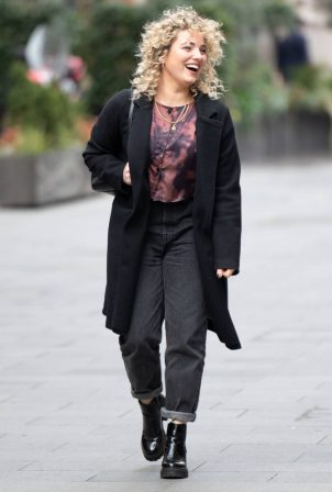 Sian Welby - All smiles while leaving Global Studios - Capital FM in London