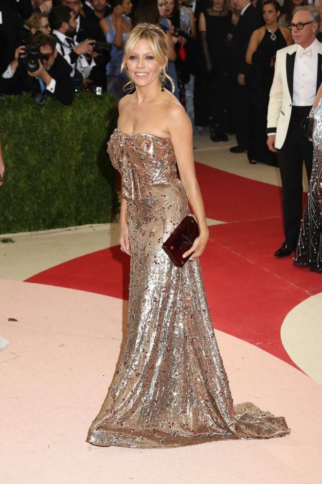 Sienna Miller - 2016 Met Gala in NYC