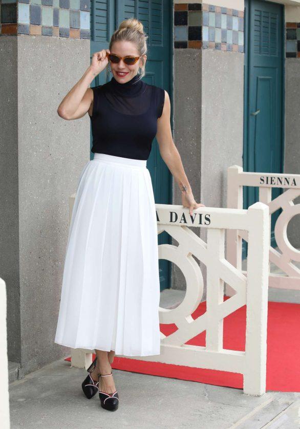 Sienna Miller - 45th Deauville American Cinema Festival