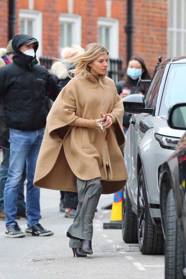 Sienna Miller - 'Anatomy of a Scandal' set in London