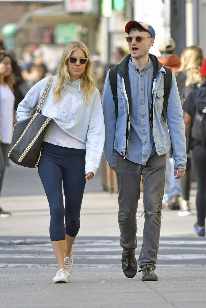 Sienna Miller and Tom Sturridge out in New York City -04