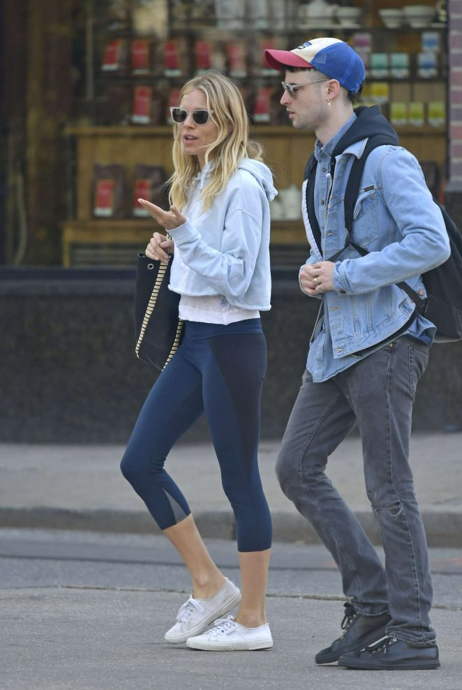 Sienna Miller and Tom Sturridge out in New York City -09