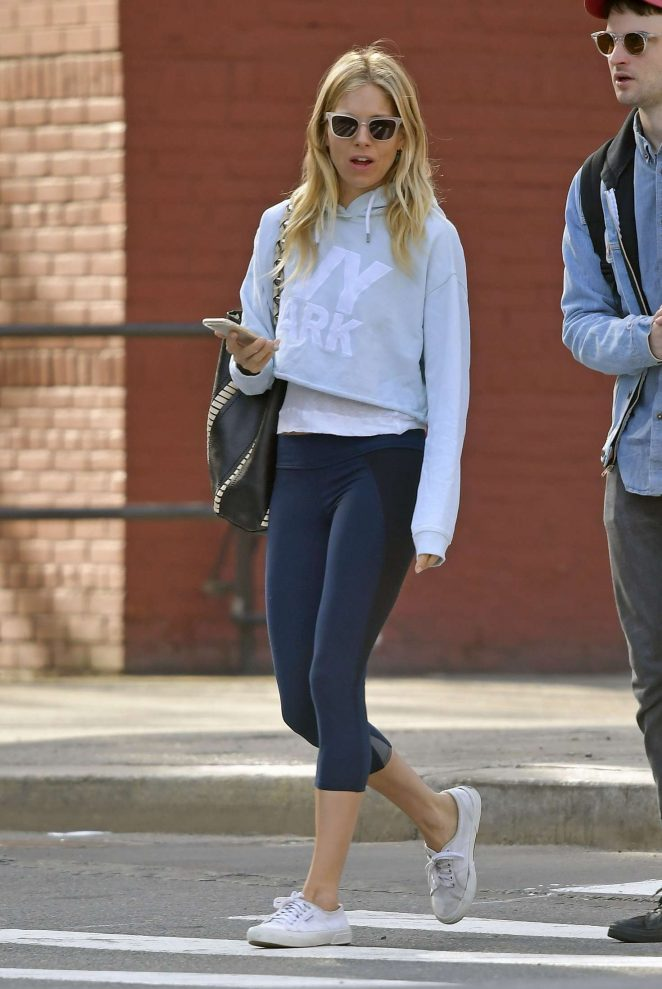 Sienna Miller and Tom Sturridge out in New York City -11