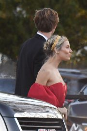 Sienna Miller - Arrives to Jennifer Lawrence and Cooke Maroney's wedding in Newport