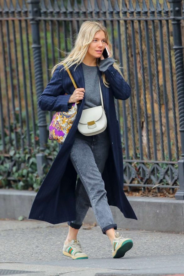 Sienna Miller - Chats on her cellphone in New York City