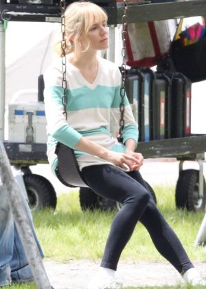 Sienna Miller - Filming at the playground for 'The Burning Woman' in Brockton