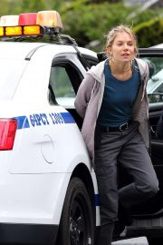 Sienna Miller - Filming Scenes for '21 Bridges' in Brooklyn