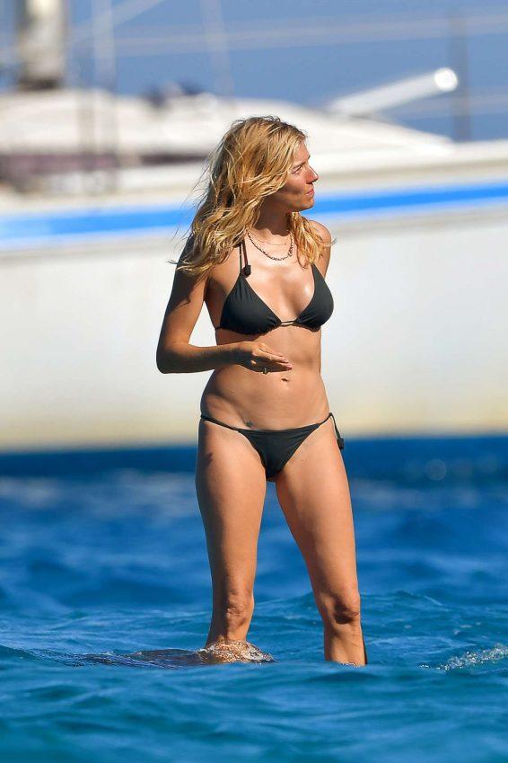 Sienna Miller 2019 : Sienna Miller in Black Bikini 2019-02