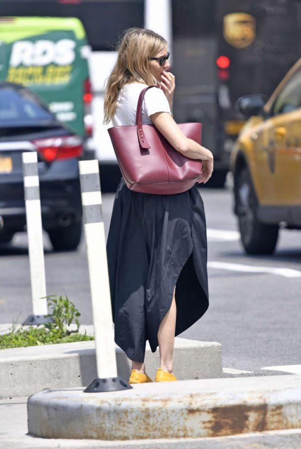 Sienna Miller in Long Skirt -04
