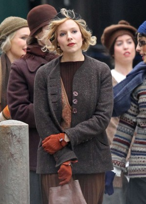 Sienna Miller on the set of 'Live By Night' in Boston