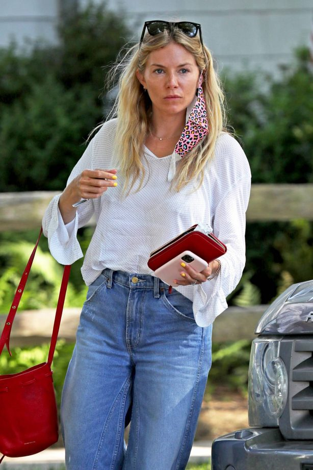 Sienna Miller - Out for a Coffee in The Hamptons