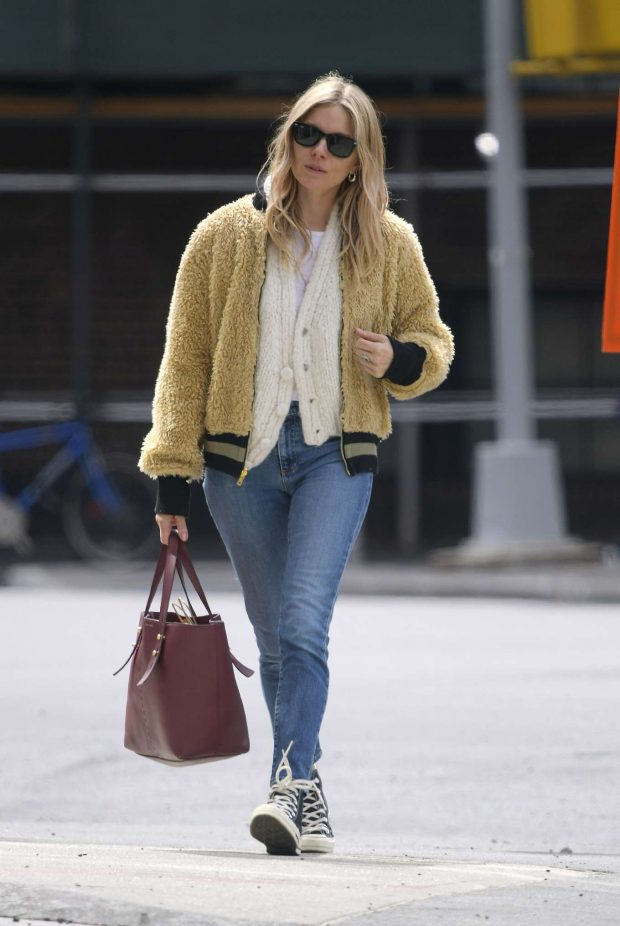 Sienna Miller: Out in New York -06