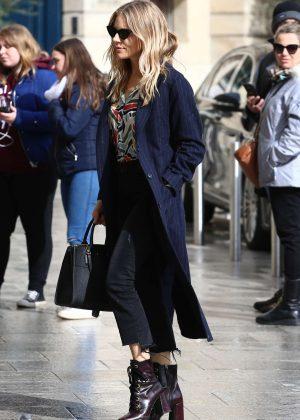 Sienna Miller - Out in Paris