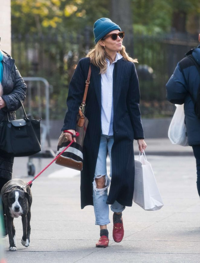 Sienna Miller – Walking her dog in New York