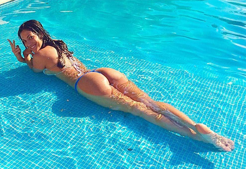 Silvina Escudero - Hot bikini pics