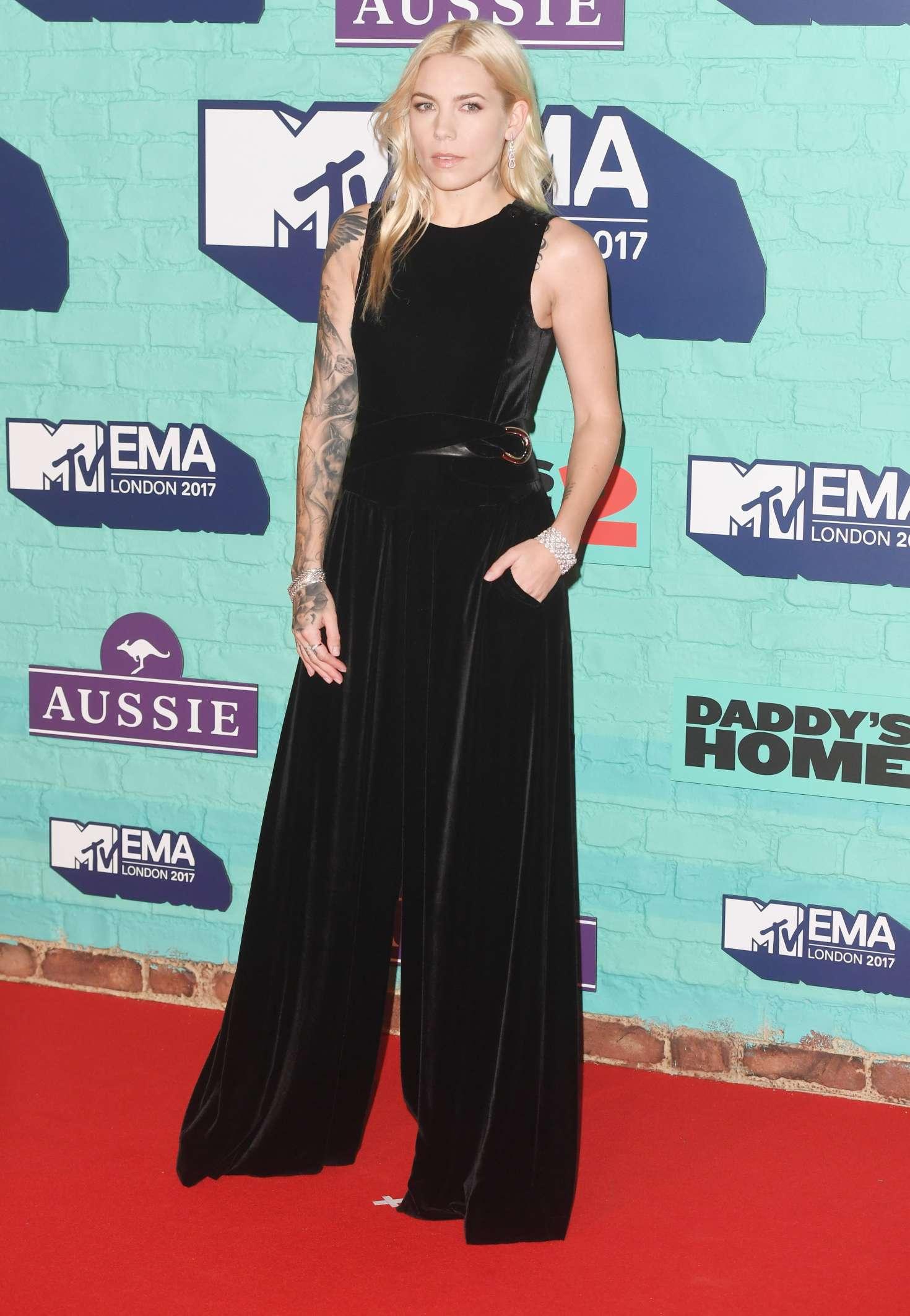 Skylar Grey 2017 : Skylar Grey: 2017 MTV Europe Music Awards -02