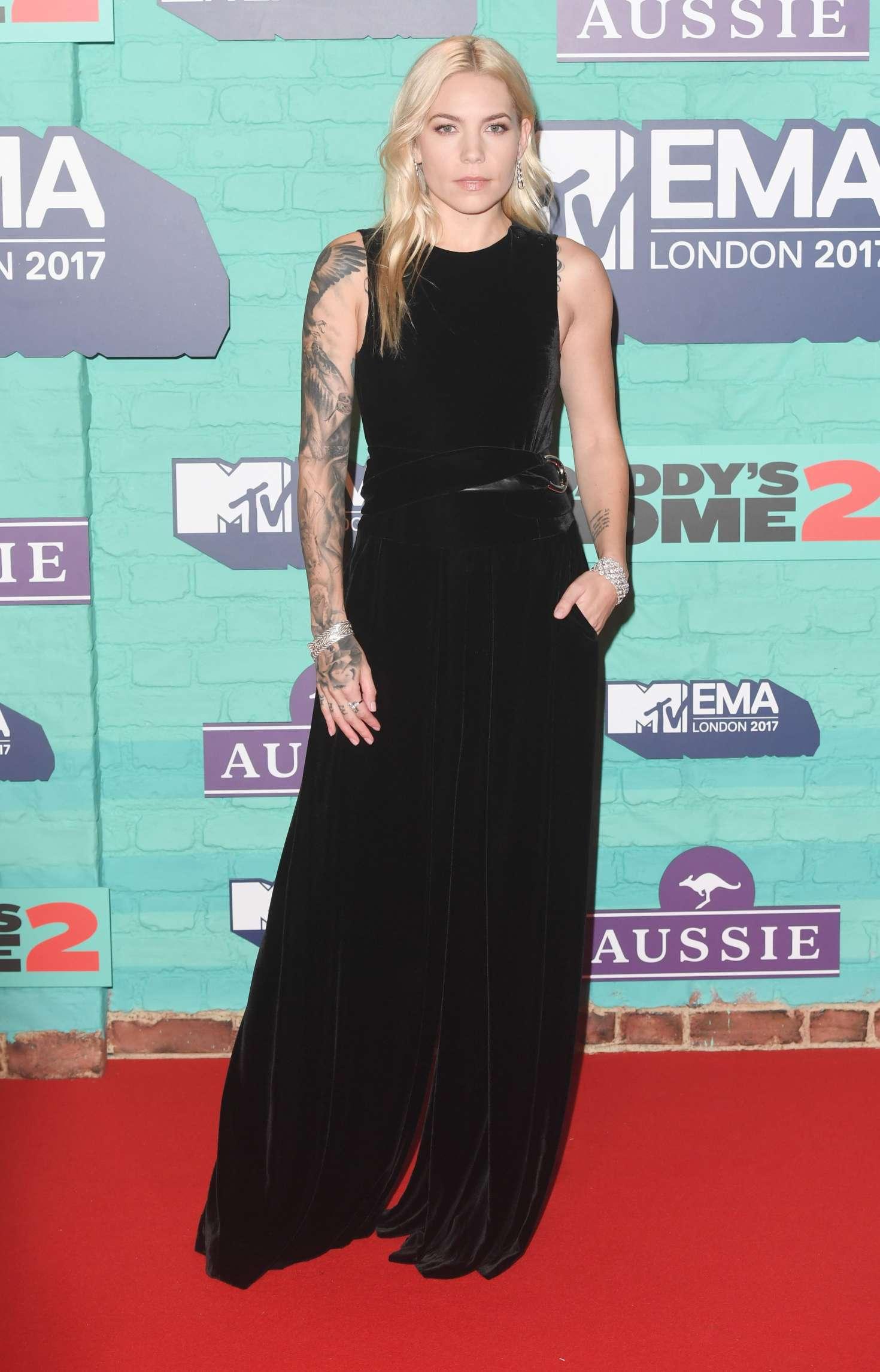 Skylar Grey 2017 : Skylar Grey: 2017 MTV Europe Music Awards -03