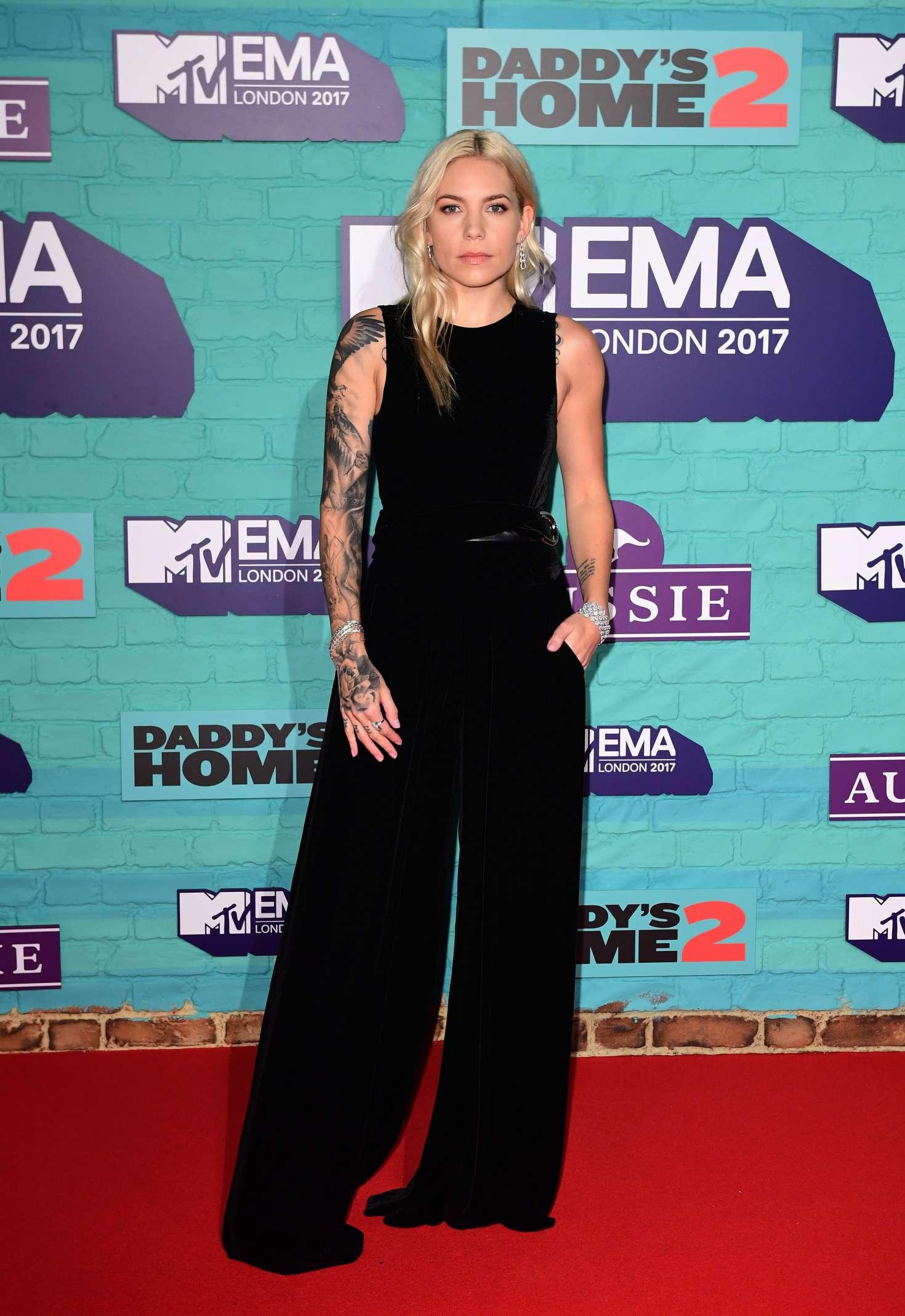 Skylar Grey 2017 : Skylar Grey: 2017 MTV Europe Music Awards -05