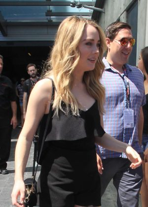 Skyler Samuels in Short Dress at Comic Con 2016 -06