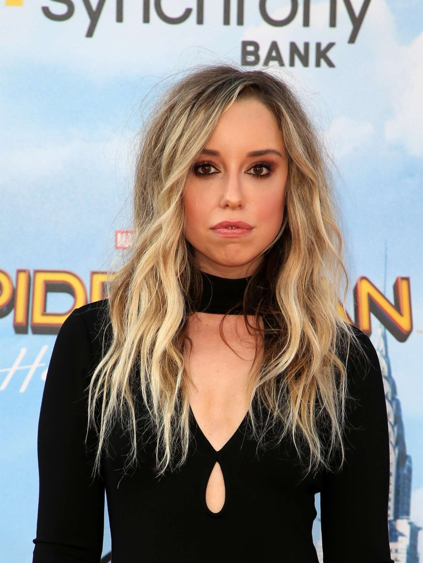 TOP famosas charco Skyler-Shaye:-Spider-Man:-Homecoming-Premiere-in-Hollywood--03