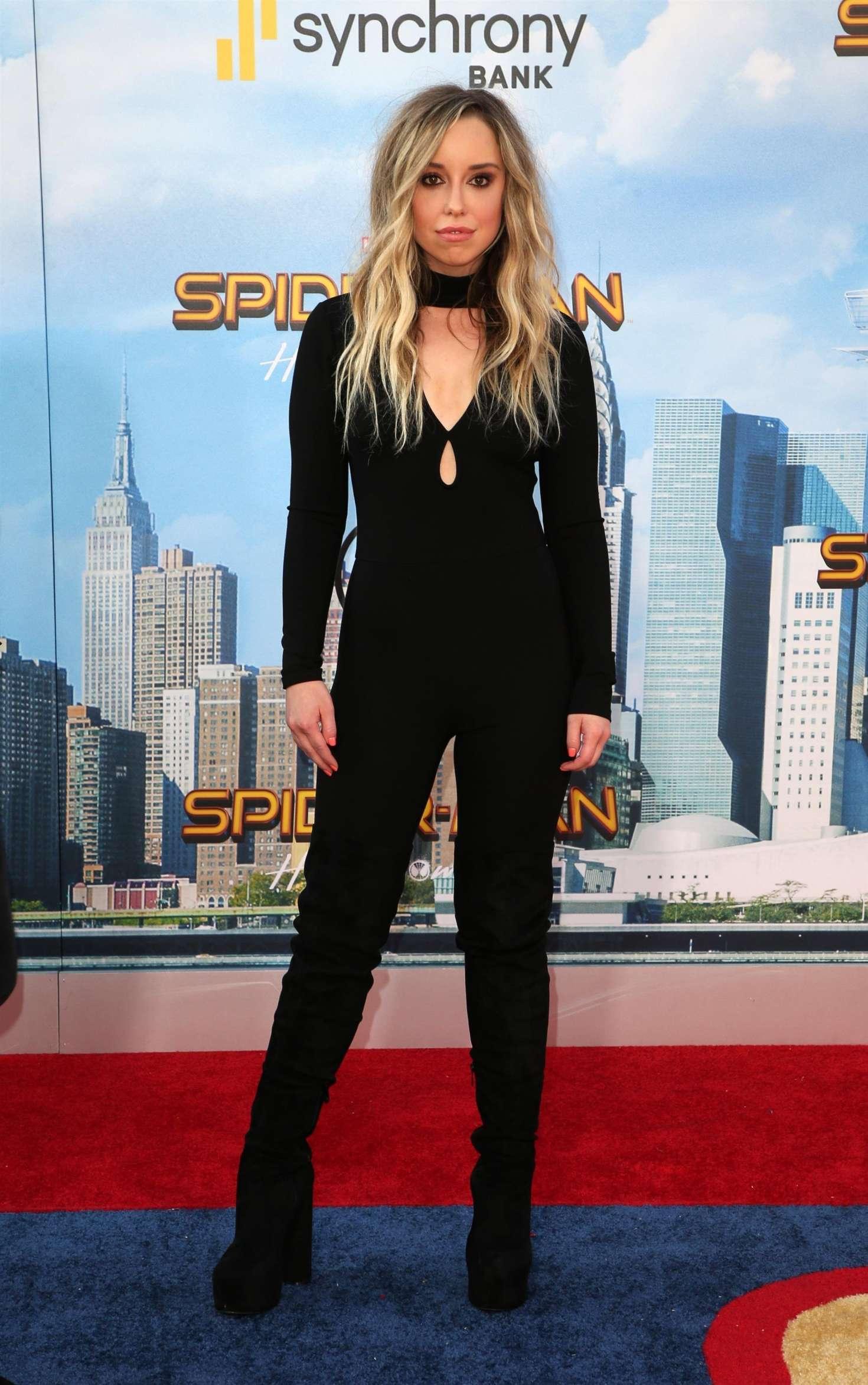 Skyler Shaye 2017 : Skyler Shaye: Spider-Man: Homecoming Premiere in Hollywood -04