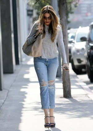 Sofía Vergara - Shopping at Herve Leger in West Hollywood