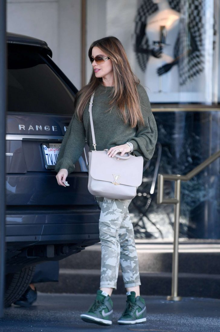 Sofía Vergara - Shopping at Saks Fifth Avenue in LA