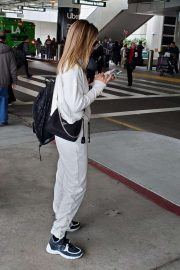 Sofia Richie - Arrives at LAX airport in Los Angeles
