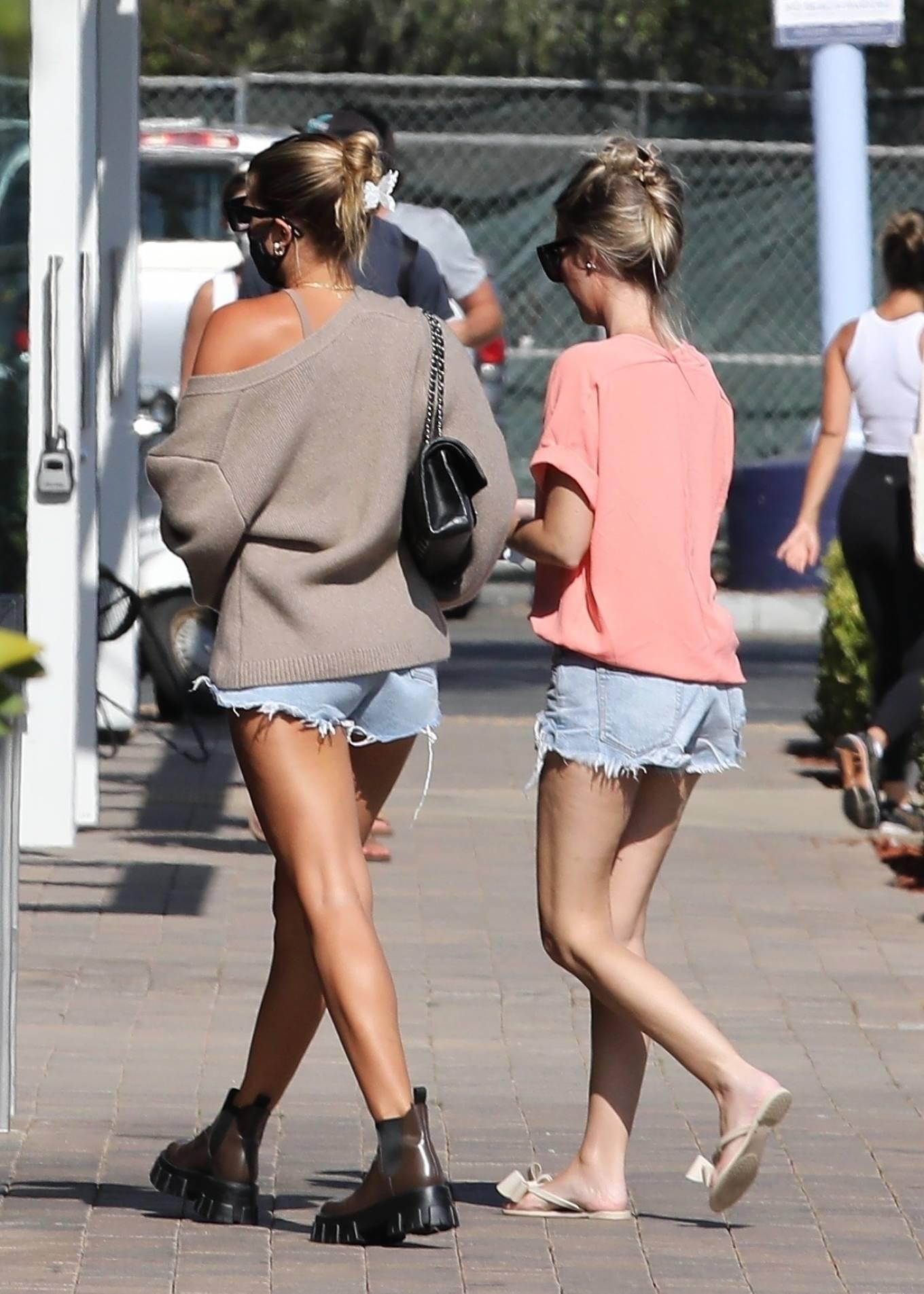 Sofia Richie 2020 : Sofia Richie – In dasy dukes shopping at the Malibu Country Mart-04