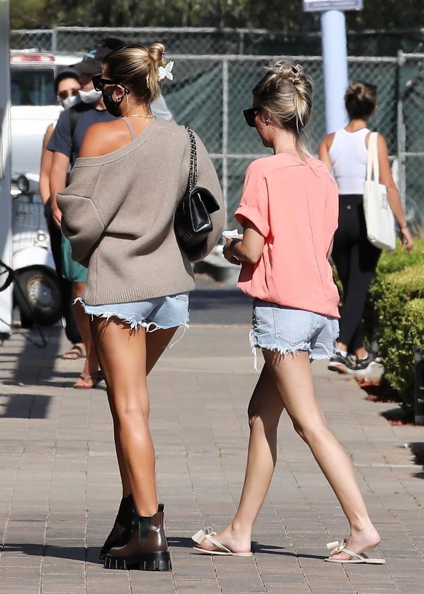 Sofia Richie 2020 : Sofia Richie – In dasy dukes shopping at the Malibu Country Mart-06