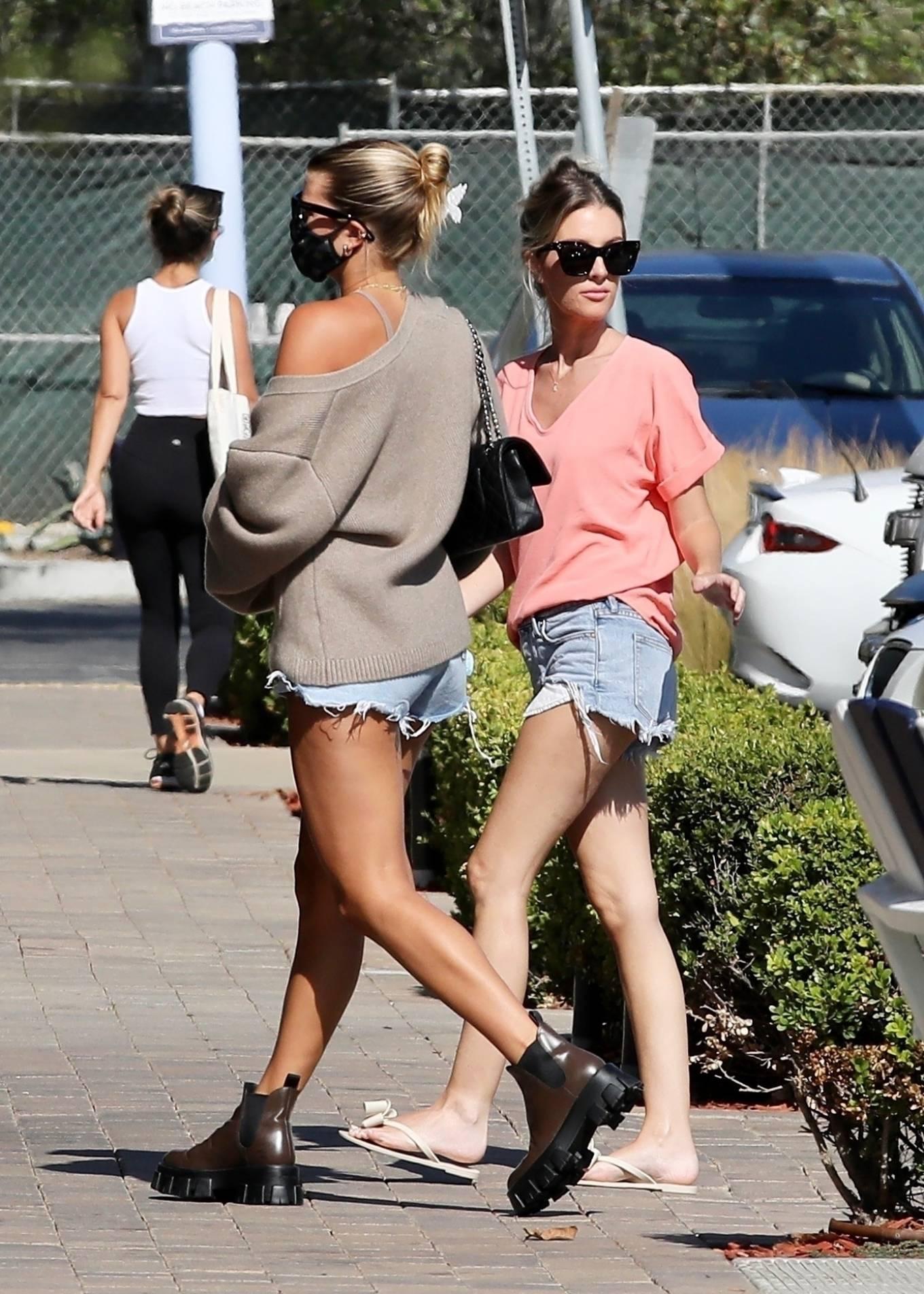 Sofia Richie 2020 : Sofia Richie – In dasy dukes shopping at the Malibu Country Mart-17