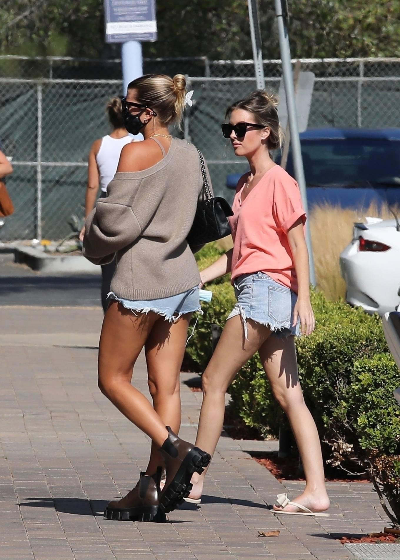 Sofia Richie 2020 : Sofia Richie – In dasy dukes shopping at the Malibu Country Mart-18
