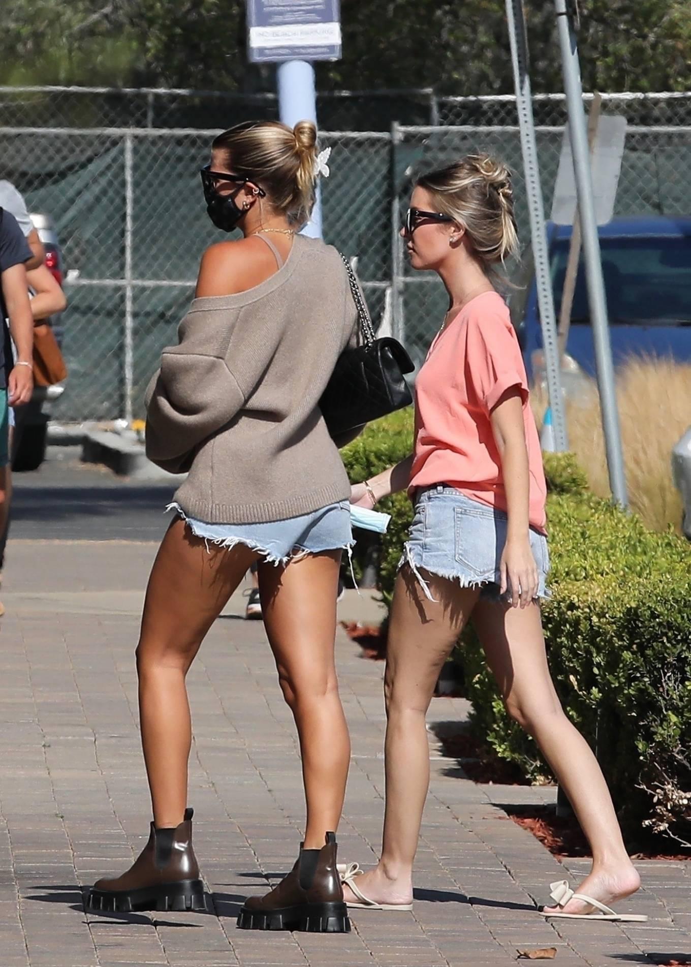 Sofia Richie 2020 : Sofia Richie – In dasy dukes shopping at the Malibu Country Mart-25