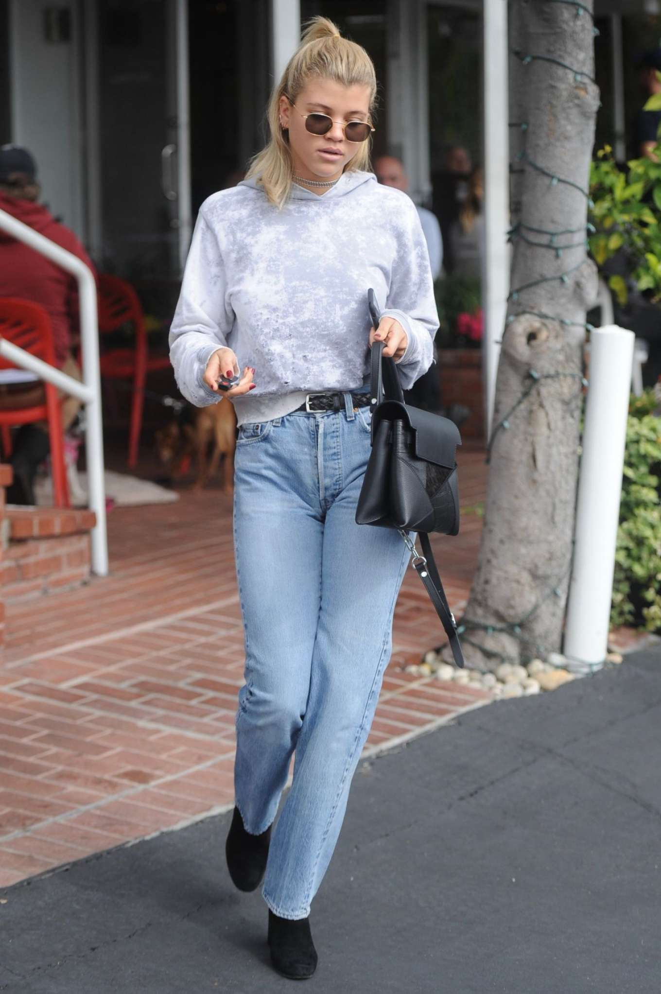 Sofia Richie 2017 : Sofia Richie in Jeans Out in Los Angeles -06