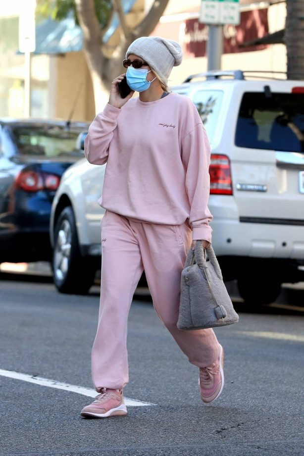 Sofia Richie - In pink heads to an appointment in Beverly Hills